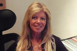 Angie Gold - Artist